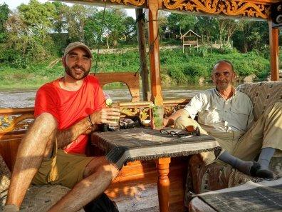 Paseando-en-barco-por-el-Mekong